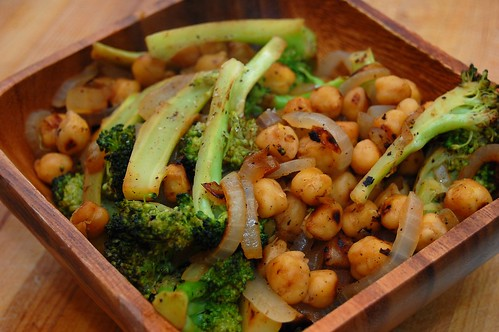 Pan-Fried Chickpeas and Broccoli