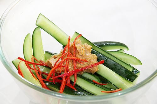 自己做泡菜。味噌黃瓜泡菜-090716