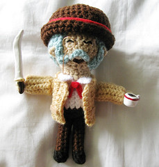 Finished Henry Hatsworth plushie 1