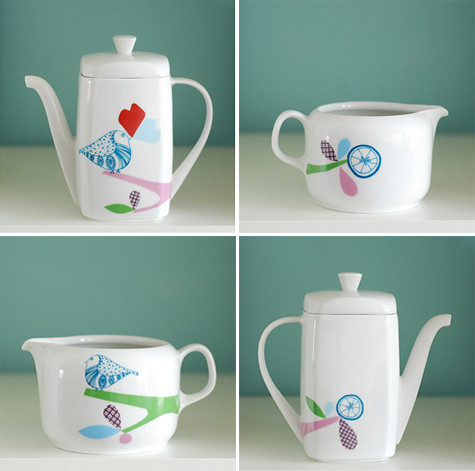 Jug & teapot, front and backsides