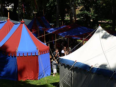 tentes fête médiévale wissembourg.jpg
