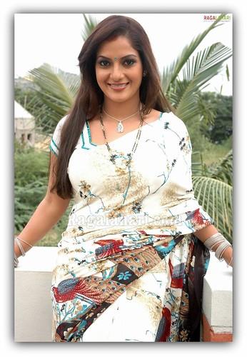 Nayanthara Exbii Hottest Desi Exposing