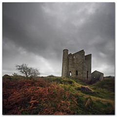 Heavy skies over Cripplesease, Cornwall (s0ulsurfing) Tags: old uk autumn england sky panorama orange cloud brown fern tree green english history fall abandoned rain stone clouds composition rural canon landscape grey ancient october ruins scenery rocks cornwall mood skies moody cloudy pov heather wide perspective overcast wideangle romance foliage heath mines vista restingplace romantic brooding bracken aged ferns heavy raining landschaft 2009 autumnal foreground cornish tinmine precipitation kernow leaden enginehouse 10mm pteridiumaquilinum heathcliffe westcornwall nimbostratus sigma1020 s0ulsurfing towednack cripplesease vertorama whealreeth reethconsols