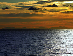 ... non capita tutti i giorni (FranK.Dip) Tags: desktop sunset wallpaper panorama costa tramonto nuvole mare alba cielo sole salento puglia cartolina brindisi fotogrfico orizzonte sfondo sfondi mareadriatico frankdip costaalbanese