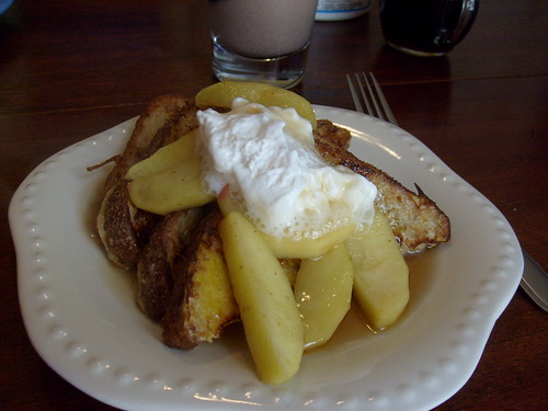 Sunday Morning Breakfast: French Toast with Hot Buttered Rum Apples