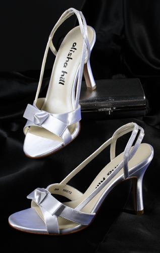 Design strappy shoes for the wedding.