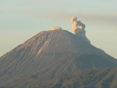 Smoke from Mt Semeru (cheuleng) Tags: java caldera bromo semeru tengger