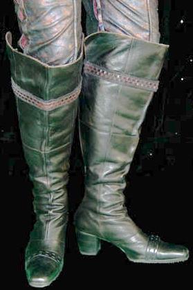 Boots Tarah