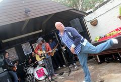 Groovin' with Mister Bloe (likrwy) Tags: man dance band dancer proudmary liveandletlive pubgig