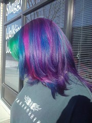 tessa7 (ugg-off) Tags: bluehair purplehair greenhair bluestreaks multicoloredhair pinkstreaks specialeffectsbluevelvet manicpanichothotpink purplestreaks pravanagreen