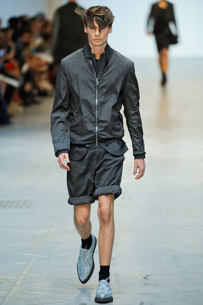 SS12 Milan Costume National Homme014(VOGUEcom)