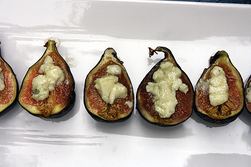 Roasted Figs with Roquefort 2