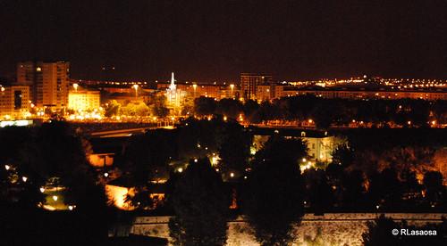 Vista nocturna sobre la Ciudadela desde el Edificio Singular