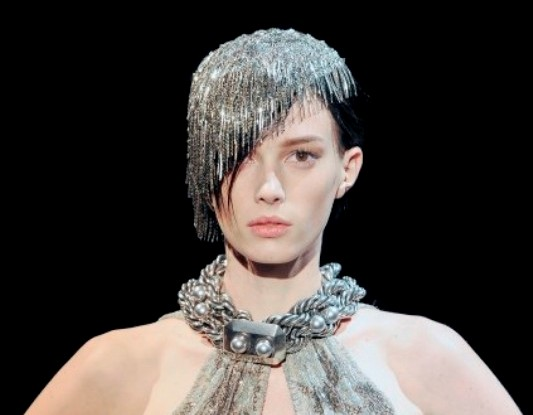 Armani Prive FW09 chain head piece 4