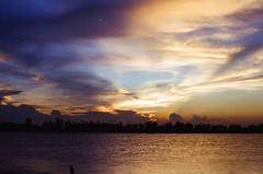 chiu nam nh (_blackscorpion_) Tags: road sunset max film canon searchthebest cloudy kodak scan vietnam crop eos1 asa400 canonef50mmf14usm vitnam blackscorpion namdinh langthang namnh thehiddencharm vietnaminfilms liu