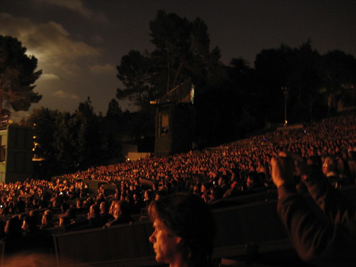 Full moon and Bowl audience