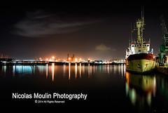 Puerto de Tarragona (Nicolas Moulin (Nimou)) Tags: puerto barco salidas cataluña tarragona tinglados serallo molldelacosta