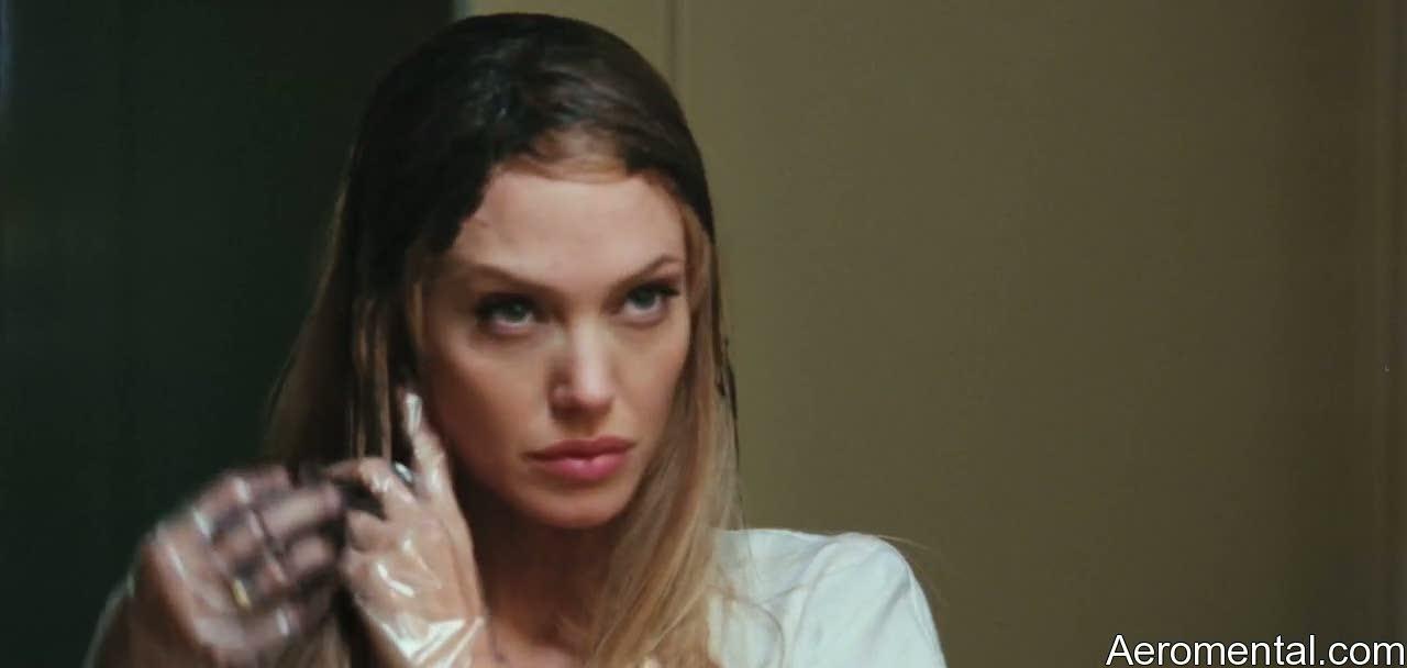 Angelina Jolie Salt cabello teñido