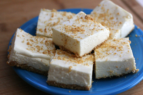 No-Bake Lemon Cheesecake Bars