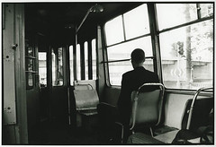 san pietroburgo (mariella simone) Tags: blackandwhite silhouette san russia ombra fotografia autobus luce bari biancoenero pietroburgo sedili passeggero finestrini mariellasimone