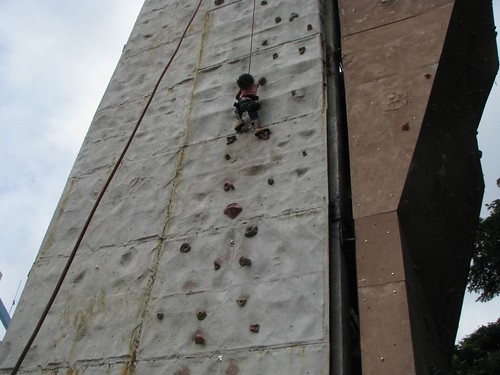 Climbing_Wall_Bangalore_kid_1