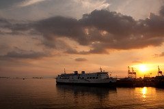 Super Ferry (WetCraft) Tags: ocean sunset slr nature water boats 350d photo asia priceless philippines made manila jerome splash really somewhere manilabay pinoy chua abigfave canon50d platinumphoto jeromechua