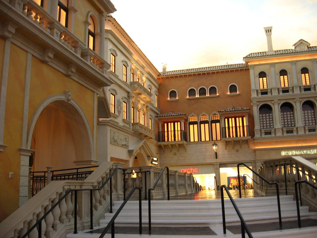 Venetian Hotel Owner