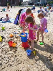 Hazel's 5th birthday (Jennifer13) Tags: birthday beach hollywood kathyosterman