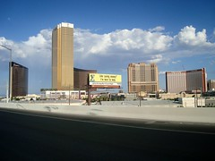 Trump, Encore, Wynn, Palazzo, & Treasure Island (Las Vegas Lover) Tags: lasvegas wynnlasvegas trumpinternationalhotel trumplasvegas treasureislandlasvegas encoreatwynnlasvegas palazzolasvegas encorelasvegas trumpinternationalhotellasvegas