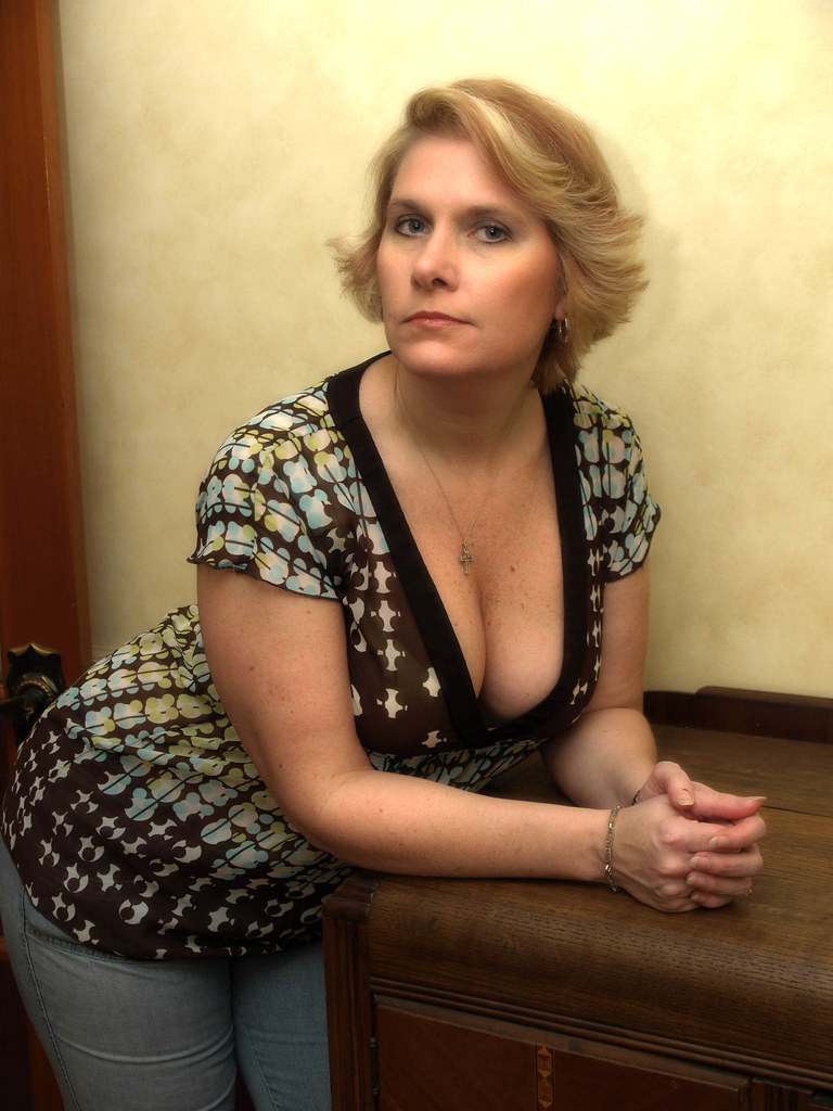 Mature Big Sexy Wives 63