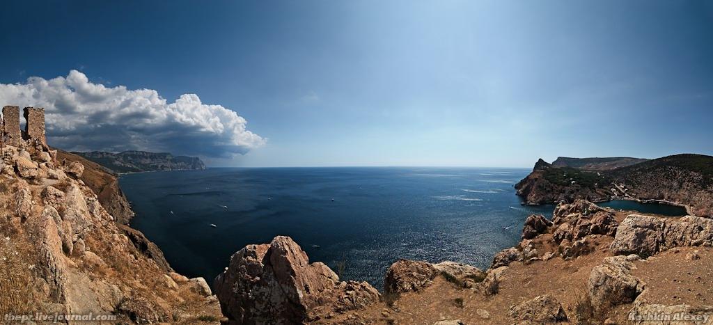 Море рядом с Балаклавой