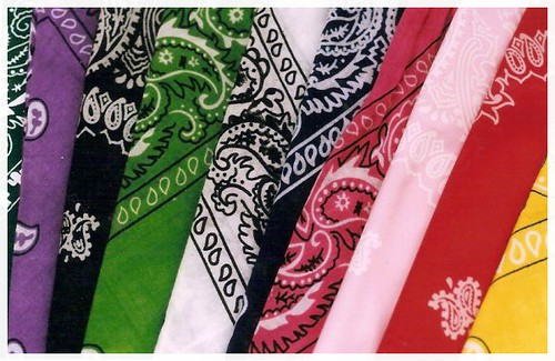 Muchas Bandanas de Muchos Colores