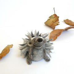 Hedgehog (fingtoys) Tags: wool animal felted fun toy grey gray felt plush softie hedgehog arttoy fing  fingtoys