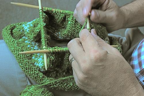 Joey knitting my hat
