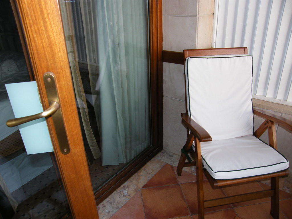 The Gran Melia 5GL Victoria Hotel Palma de Mallorca! Our balcony! Palma de Mallorca, the capital of the spanish island of Mallorca in the autumn of 2008 and so many fine views! The WOW factor is yours