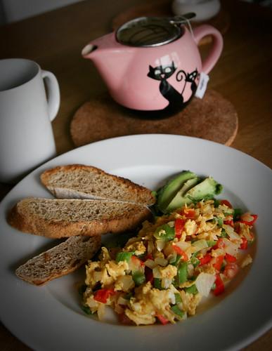 Veggie scramble with toast
