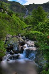 Cascade (Grgory Tonon) Tags: longexposure wild france green nature waterfall pentax vert cascade hdr aficionados vgtation arige grgory poselongue k20d grgorytonon
