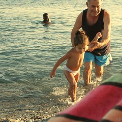 Grandfather & Granddaughter (Osvaldo_Zoom) Tags: sea summer italy love beach seaside grandfather granddaughter calabria tenderness