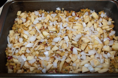 Panned Apple Stuffing with Onion