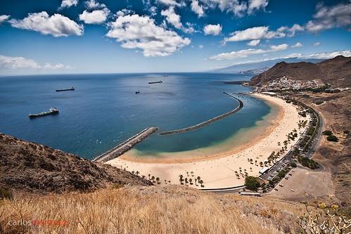 Kuvassa Santa Cruz de Tenerifen Las Teresitas -ranta.