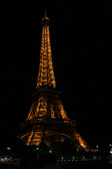 Lovely (jbilohaku) Tags: paris france tower night noche torre tour eiffel fr iledefrance turo nokte nokto avenuedenewyork edefrance edefrance