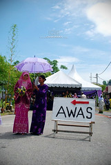 Pengantin awas (cahayanika) Tags: photographer hijab melacca melaka pengantin melayu kahwin perkahwinan kemah awas majlis jurugambar cahayanika merbahaya