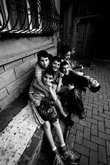(nilgun erzik) Tags: istanbul cocuklar siyahbeyaz fenerbalat fotografkıraathanesi fotografca biyerlerde eylul2009