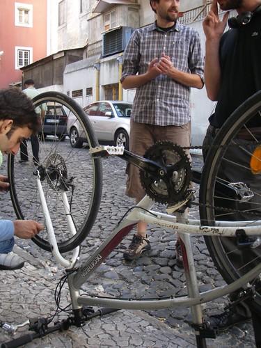 Corrigindo a roda empenada