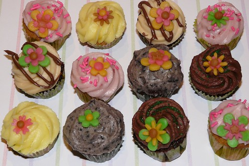 Assorted Minis for Printemps by LittleMissCupcakeParis.