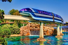 Disneyland Aug 2009 - The Disneyland Monorail (PeterPanFan) Tags: california ca vacation usa disneyland disney orangecounty monorail anaheim tomorrowland disneylandresort disneylandpark disneyvacation findingnemosubmarinevoyage jonfiedler