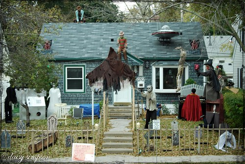 neighbor halloween house wm