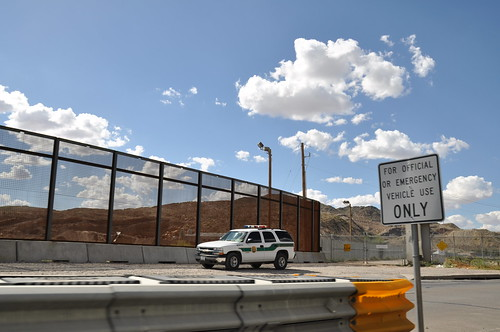 The Wall in El Paso by jonathan mcintosh, on Flickr