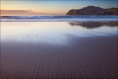 Valtos Beach, Lewis (Billy Currie) Tags: ocean sunset cliff cloud sun reflection texture beach rock scotland sand pattern lewis wave og harris outer isles hebrides valtos coastuk welcomeuk