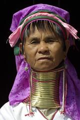 Karen woman - Inle Lake - Myanmar (Lucie et Philippe) Tags: portrait neck women long burma femme karen myanmar giraffe tradition ethnic philippe girafe birmanie langel ethnique